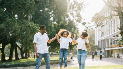 We Love our Family: Fun Tips for Resolving Conflicts and Getting Along!